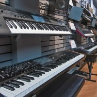 Pianos & Synths